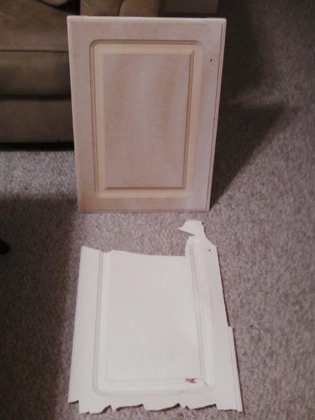 tủ bị loại bỏ lớp sơn