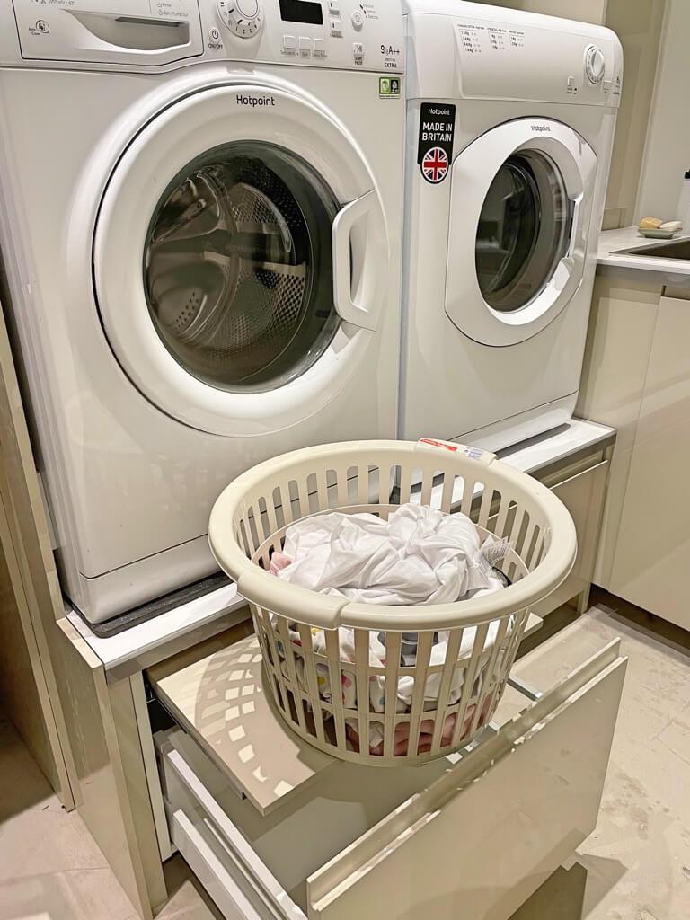 bệ giặt có ngăn kéo