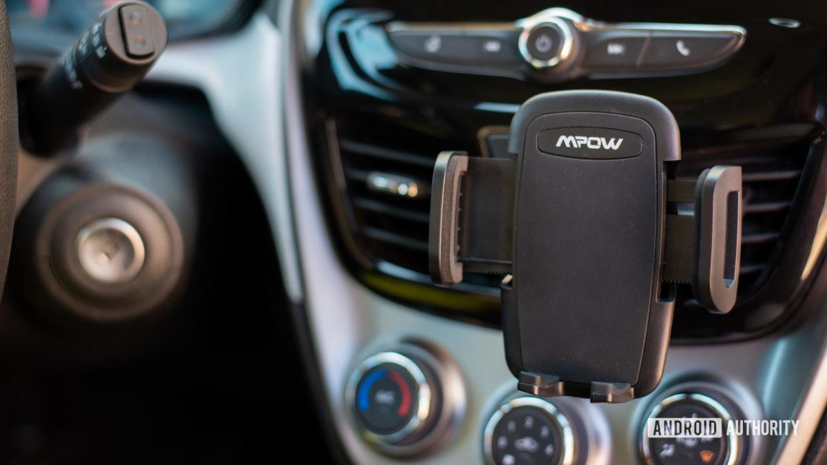 Đánh giá Mpow Air Vent Car Mount Pro 10