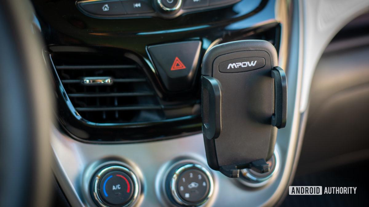 Đánh giá Mpow Air Vent Car Mount Pro 1