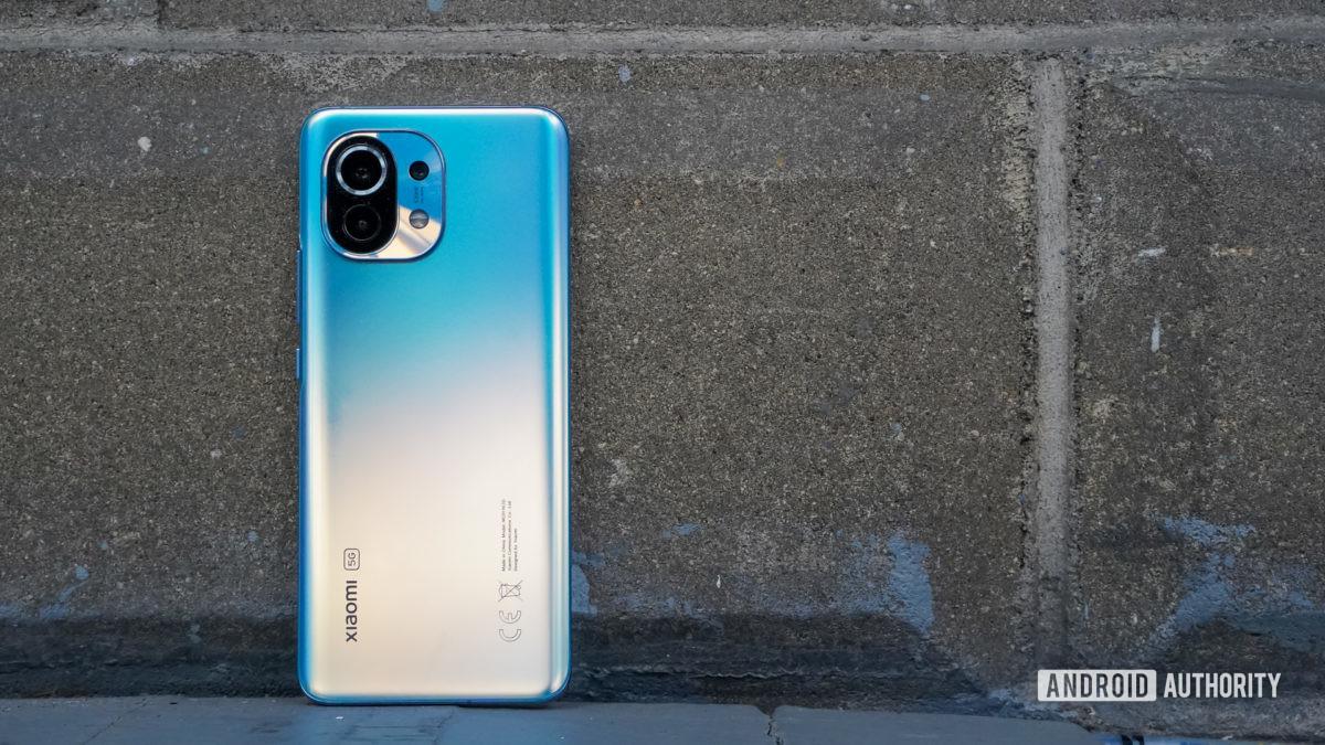 Xiaomi Mi 11 mặt lưng chống gạch