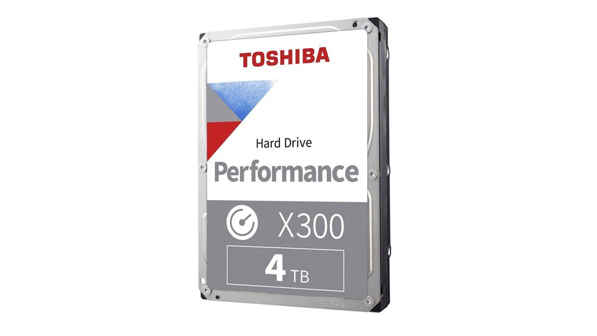Ổ cứng Toshiba X300 Performance trên nền trắng