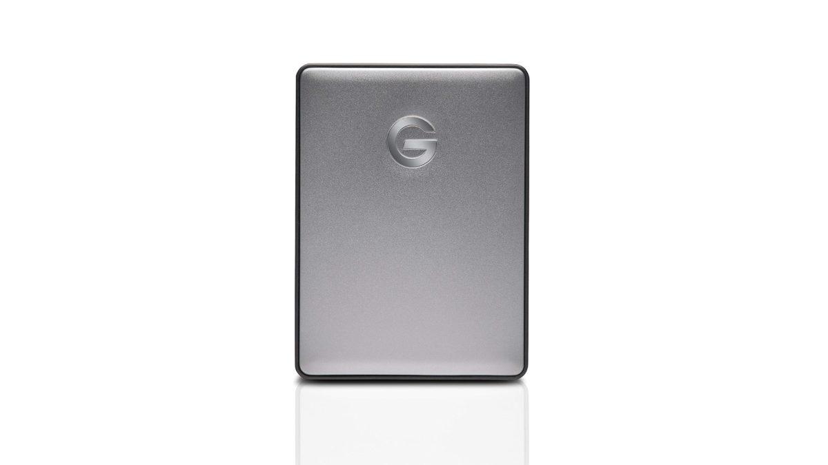 Công nghệ G Ổ cứng di động G Drive trên nền trắng