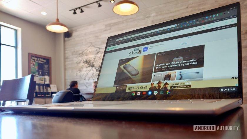 Asus Chromebook Flip C434 mặt bàn