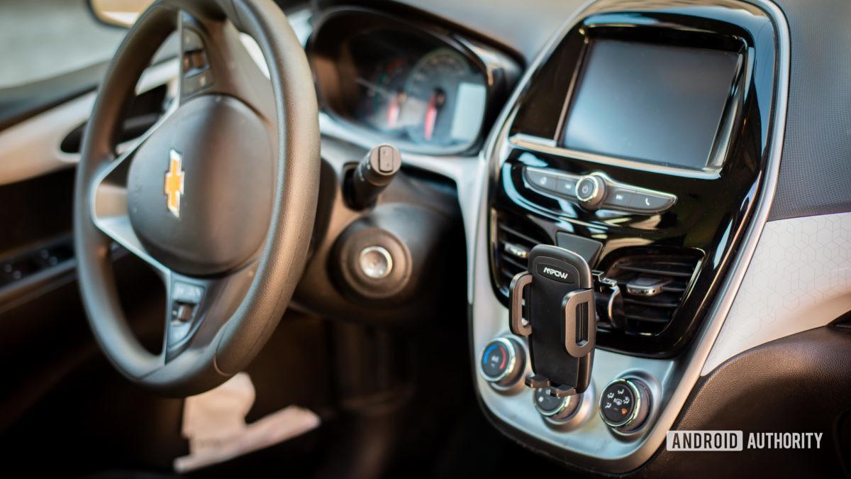 Đánh giá Mpow Air Vent Car Mount Pro 3