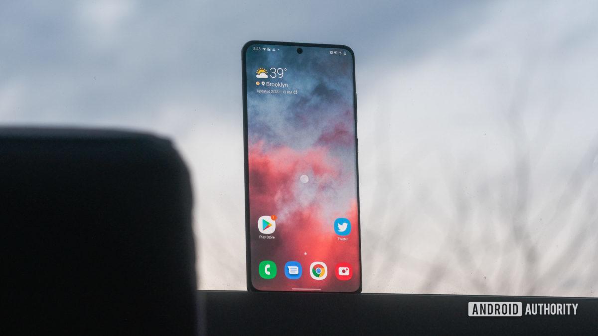 Màn hình Samsung Galaxy S20 Ultra trong cửa sổ 1