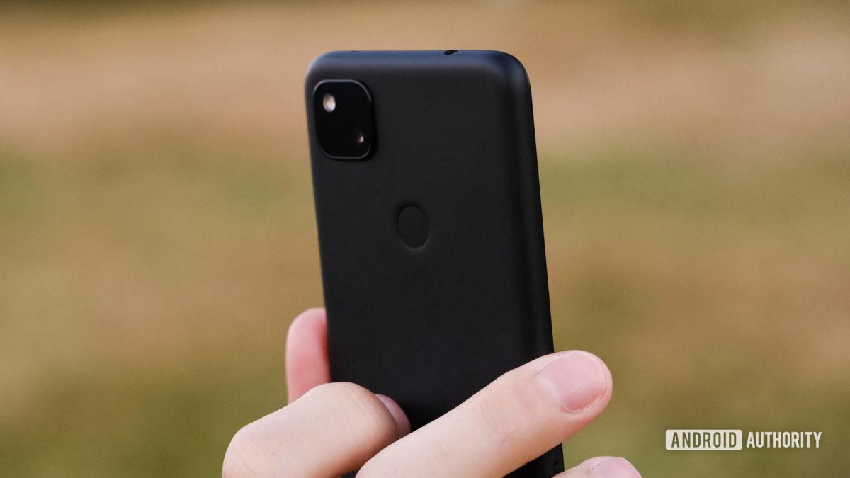 Máy ảnh Google Pixel 4a và đầu đọc dấu vân tay
