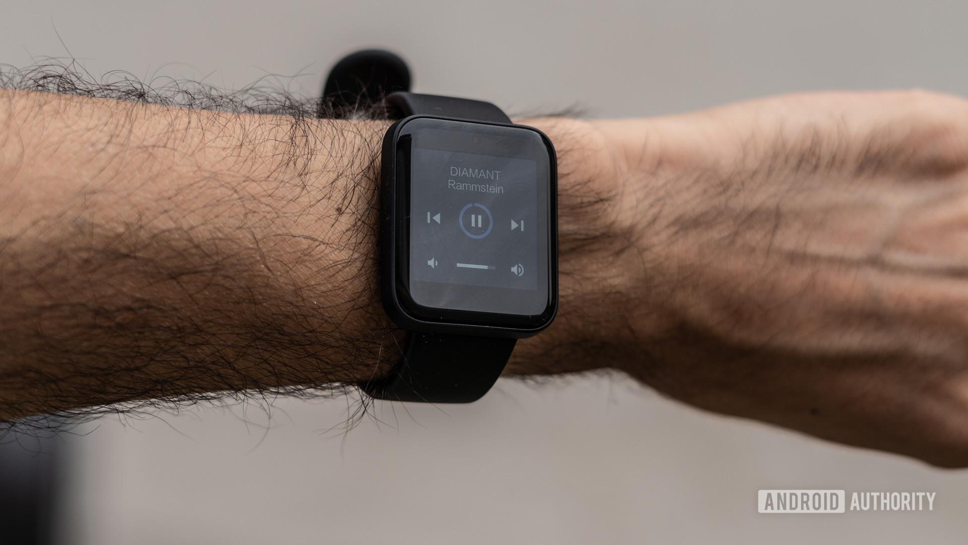 Phát lại nhạc trên Redmi Watch