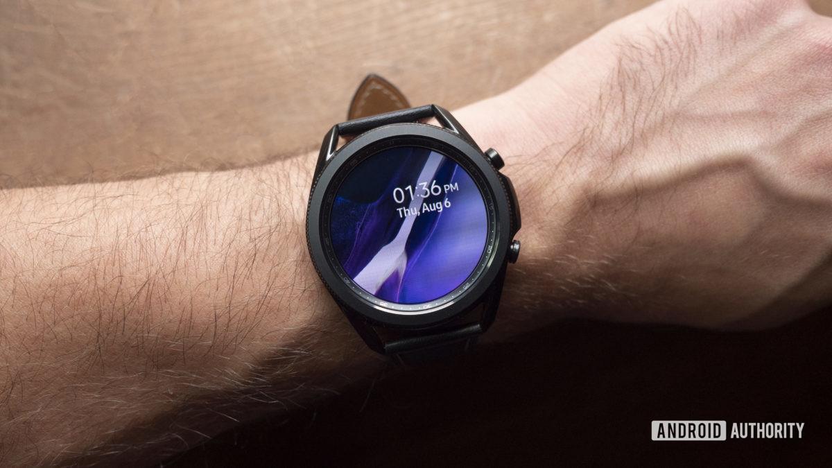 samsung galaxy watch 3 review mặt đồng hồ hiển thị 2