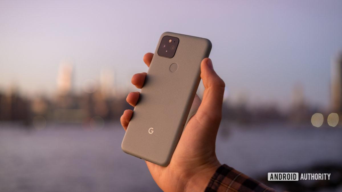 Trên tay Google Pixel 5 đã ngừng hoạt động trở lại 3