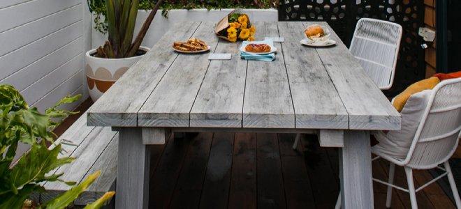 bàn ăn ngoài trời bằng gỗ