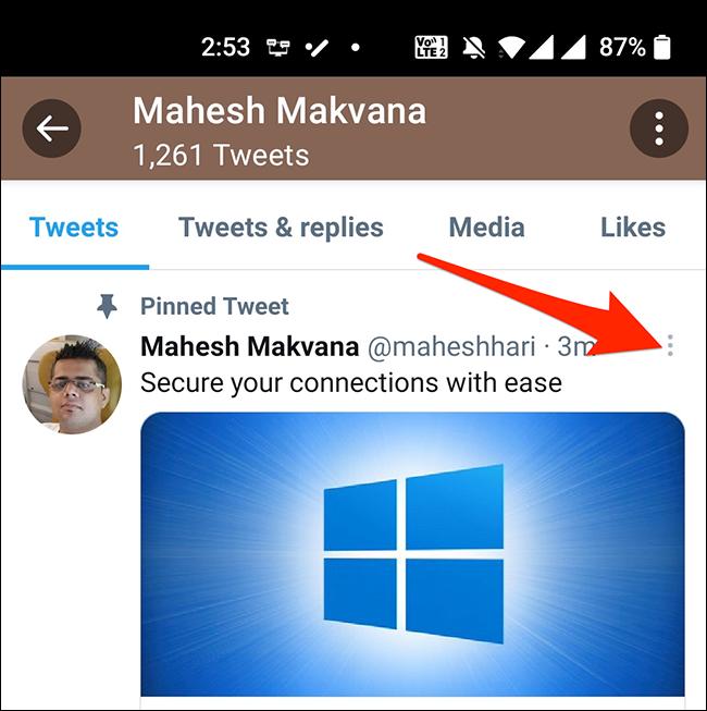 Nhấn vào ba dấu chấm ở góc trên bên phải của tweet đã ghim.