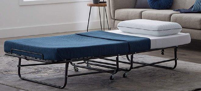 cũi giường cho khách trong một căn phòng được trang bị