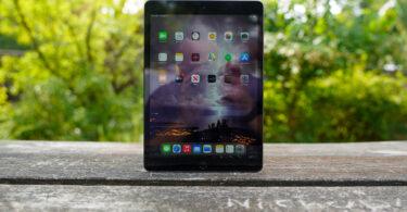 Apple iPad 2020 front panel